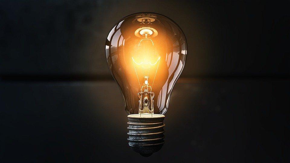 ¿Cuáles son los derechos de un consumidor y usuario frente a una compañía de luz?